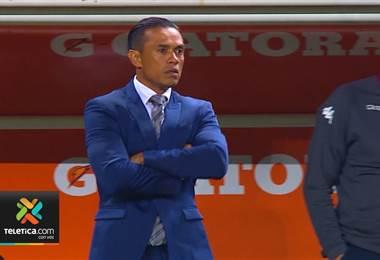 Wálter Centeno llega invicto en el banquillo morado al juego de este martes ante Tigres.