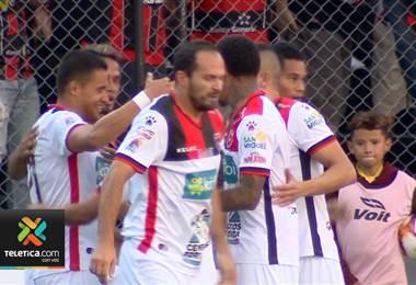 Róger Rojas rompió la sequía goleadora por la que pasaba en el torneo
