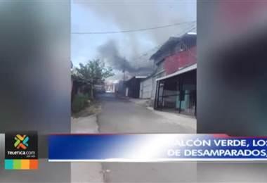 Dos viviendas fueron consumidas por las llamas y una tercera con daños parciales en Desamparados