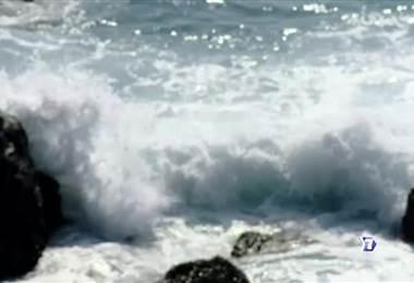 Una ola de más de seis metros lo despojó de su tabla y la marea se encargó de alejarlo de la costa. Él estuvo luchando durante tres horas contra el mar. Conozca esta increíble historia hoy en nuestra serie especial sobreviví.