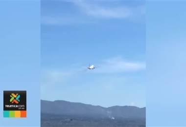 Investigan la causa de la explosión de uno de los motores del avión que despegó del Juan Santamaría