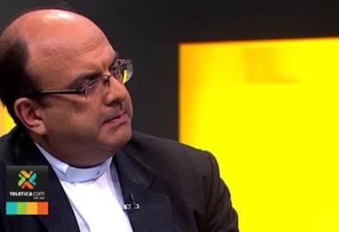 Juzgado Penal de Desamparados emitió una orden de captura internacional contra el sacerdote Mauricio Víquez.