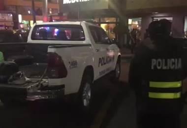 Hombre asalta McDonald´s en el centro comercial de Guadalupe