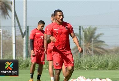 Luis Garrido afina detalles para poder conseguir su primer gol como profesional