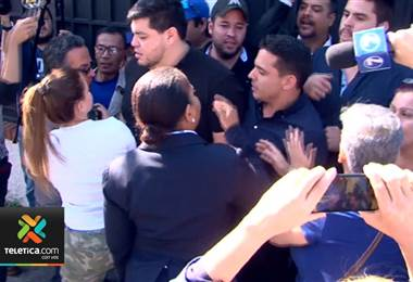 Cancillería censuró toma de la embajada de Venezuela por representantes de Juan Guaidó