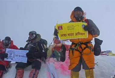 Limpieza del pico más alto del mundo
