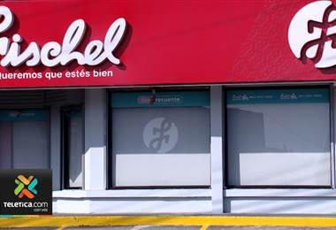 Ministerio de Economía multó empresa dueña de la Fischel y La Bomba por prácticas monopolísticas