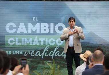 La firma se llevó a cabo previo a la presentación del Plan Nacional de Descarbonización 2018-2050