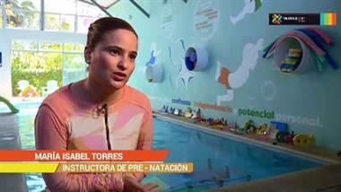 Prevenga accidentes acuáticos y enséñele a sus niños natación