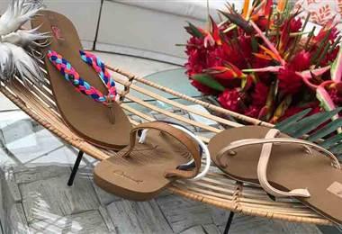 Luzca sandalias cómodas y a la moda en esta época calurosa