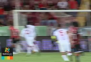 La derrota ante el Santos le complicó el panorama a Alajuelense