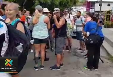 Vecinos alzan la voz tras el caos desatado en la entrada del Parque Nacional Manuel Antonio