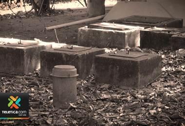 El parque Manuel Antonio sigue sumido en el caos