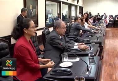 PUSC condiciona apoyo al proyecto del uso del plástico y tambalea reforma al reglamento legislativo