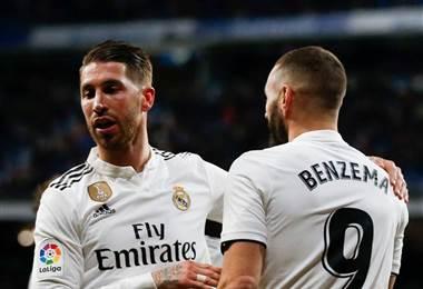 Sergio Ramos felicita a su compañero del Real Madrid, Karim Benzema.|realmadrid.com
