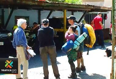 Celular y provisiones ayudaron a turistas rescatados en el Zurquí