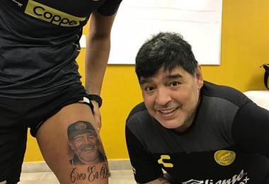 Gaspar Servio junto a Maradona-Instagram