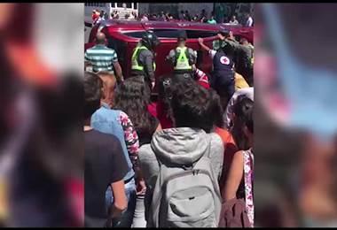 Dos personas resultaron heridas tras vuelco de un vehículo en Cartago