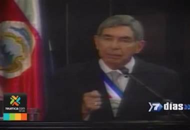 Óscar Arias se va de Liberación Nacional mientras atiende acusación de violación