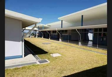 Gobierno entrega moderna escuela a 250 estudiantes