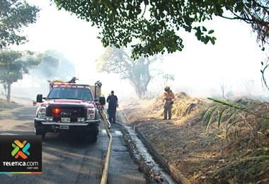 Quema de habituales pudó haber provocado incendio en Hatillo 2
