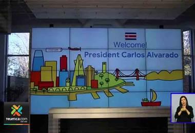 Carlos Alvarado compartió con varios costarricenses que trabajan para el gigante Google