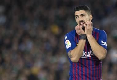 Suárez se lesiona y se suma a la baja de Cavani en Uruguay para la China Cup