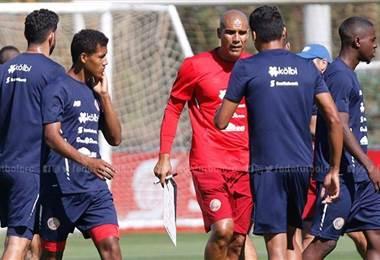 Douglas Sequeira técnico de la Selección Preolímpica
