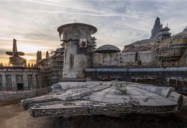 Halcón Milenario en Disney.
