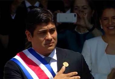 Carlos Alvarado no pudo levantar su popularidad tras un año de Gobierno, afirma encuesta de CIEP