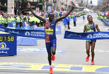 Keniano Lawrence Cherono gana el Maratón de Boston