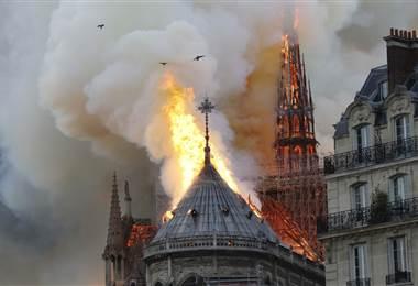 Incendio en Notra Dame. AFP