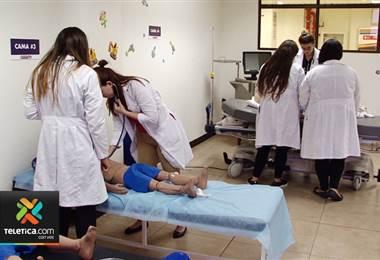 Laboratorios de simulación se han convertido en mejor herramienta para estudiantes de medicina
