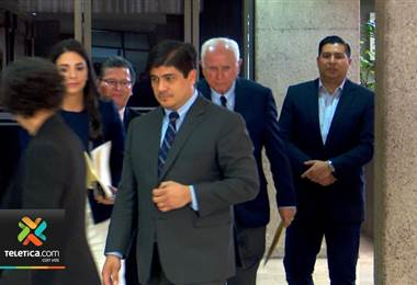 Presidente Carlos Alvarado se contagió de un rotavirus que circula en la Casa Presidencial