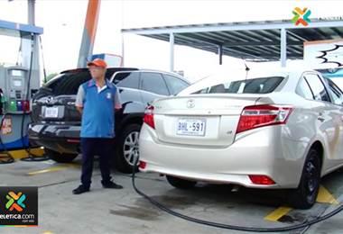 80% de la flota vehicular en el país debe utilizar gasolina regular y no súper, afirma Recope