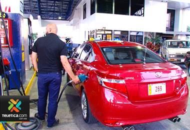 Venta de gasolina con etanol se llena de cuestionamientos en todos sus frentes