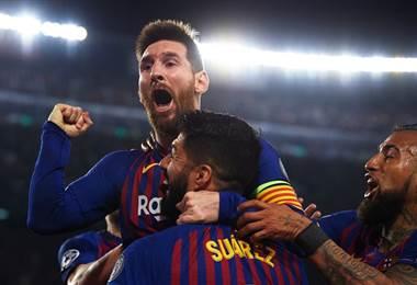 Lionel Messi celebra con sus compañeros del Barcelona | Uefa.com