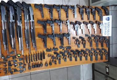 Entrega de armas al Ministerio de Seguridad Pública