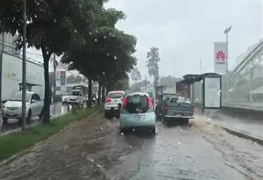 Inundaciones por alcantarillado: un mal que se extiende por el país