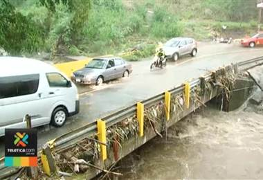 CNE entregó suministros a personas afectadas por lluvias