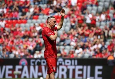 Homenaje de despedida a Robben, Ribery y Rafinha en Múnich