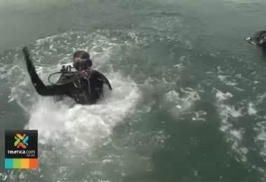 15 oficiales fueron capacitados por la Policía de Fronteras de EE.UU. y recibieron certificación de buzo policía