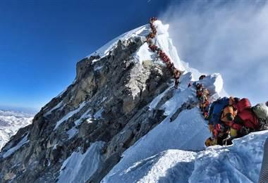 Atasco en el Everest | BBC Mundo