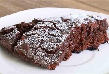 Aprenda a preparar brownies en un sartén