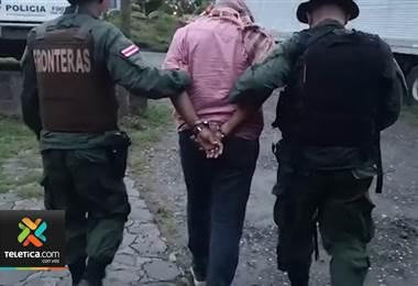 Policía de Fronteras detuvo a dos presuntos traficantes de personas en Sarapiquí y Peñas Blancas