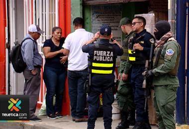 Autoridades decomisaron medicamentos, comida y clausuraron cuarterías