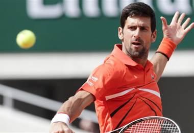 Djokovic cumple en su debut ante Hurcakz en Roland Garros