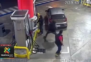 Joven golpeado en una gasolinera en San Pedro se recupera de la brutal agresión