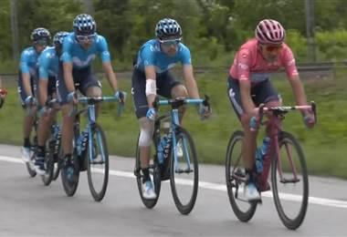 Carapaz mantiene el liderato del Giro tras etapa ganada por el italiano Cima