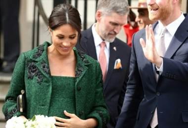Meghan Markle y su esposo el príncipe Enrique. Foto AFP